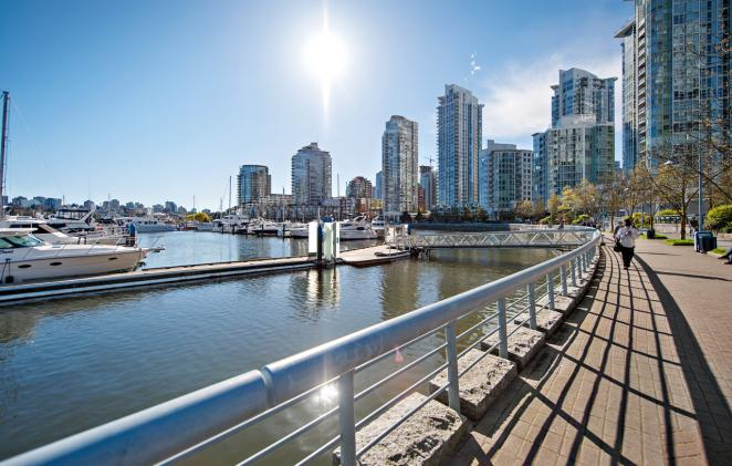 2J - 1033 Marinaside Crescent, Yaletown, Vancouver West