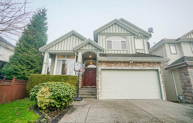 6586 123a Street, West Newton, Surrey